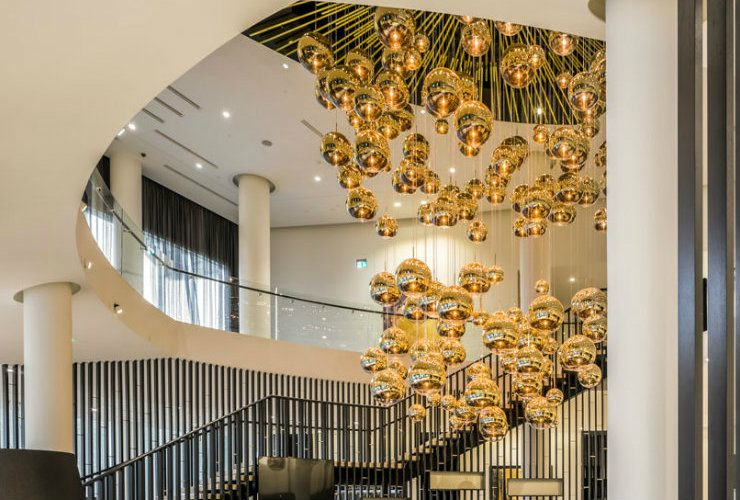modern lighting ideas 10 modern lighting ideas to décor hotel lobby capa 1 740x500